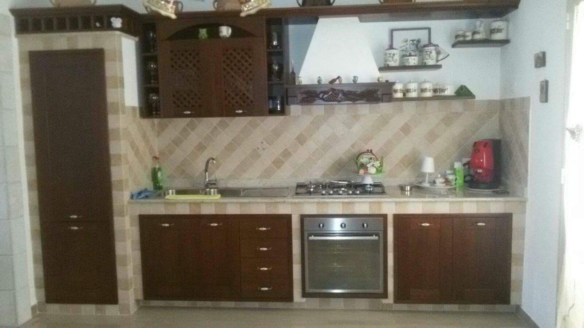 Arredi e mobili artigianali in legno Palermo, Porte Camporeale - La ...