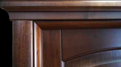 conrnice porta classica con capitello retto