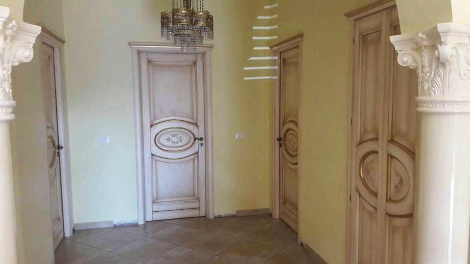 Porte In Legno Massello : Porte classiche palermo in legno massello artigianali la porta